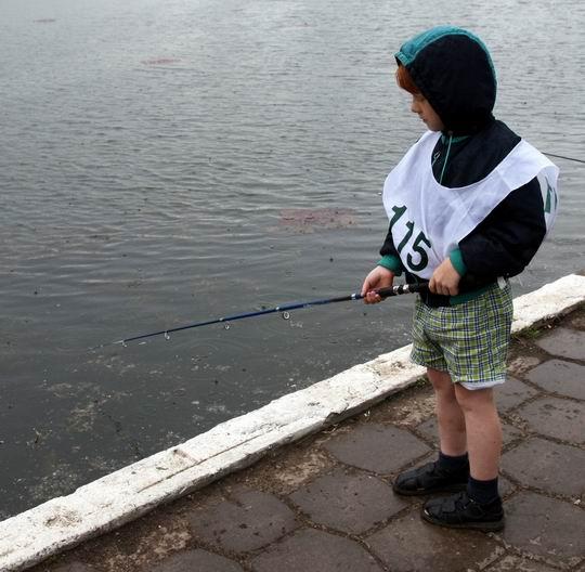 клюет ли рыба в дождь летом фото