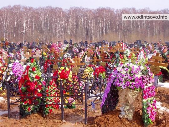 можно ли в пасху ходить на кладбище: