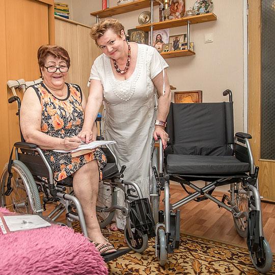 Инвалиду выдали коляску только после обращения к Президенту