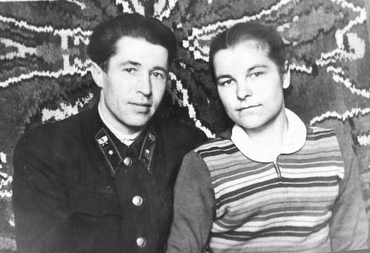 Семейное фото родителей, РетроLych, Lych