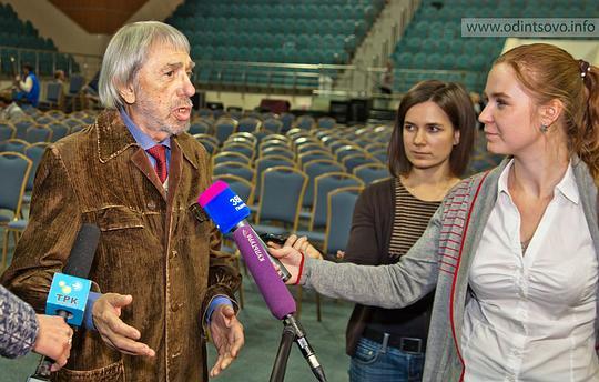 Никита Михалков наодинцовской сцене