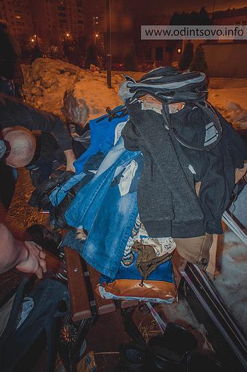 Крещение — 2015, Многие не дожидались очереди в раздевалку и бросали вещи на лавочках