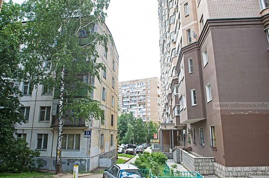 Застройка окно вокно, ул. Маршала Жукова, 13, 2микрорайон