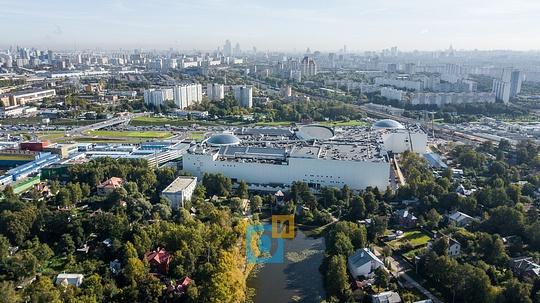 DJI 0550Большой Немчиновский пруд за «Вегас» Кунцево, «Вегас» Кунцево встретил первых покупателей