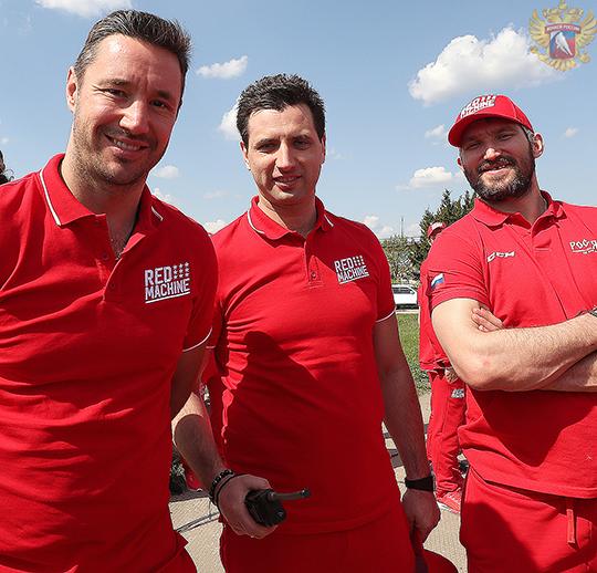 Хоккеисты сборной России посетили аэродром «Кубинка»