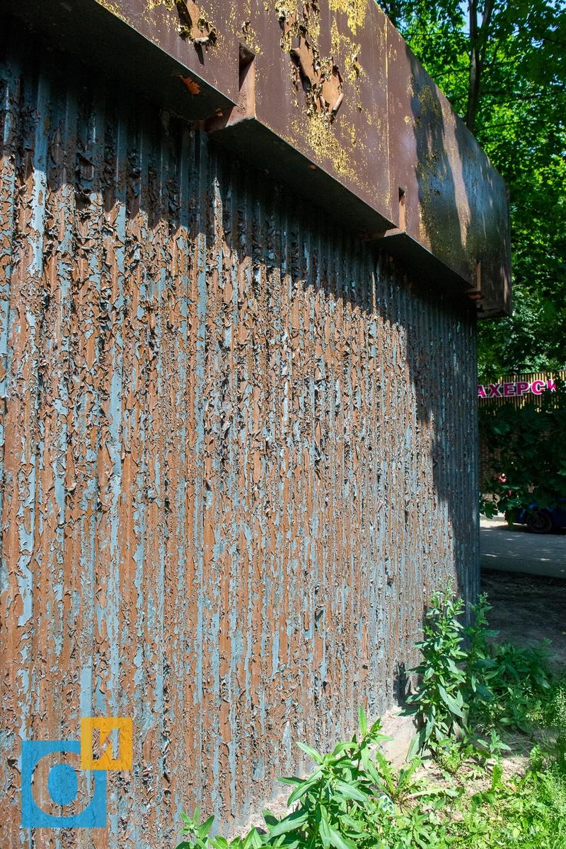 Можайское ш. 22, стена одного из ларьков во дворе, Можайское ш. 22, дворы, детская площадка