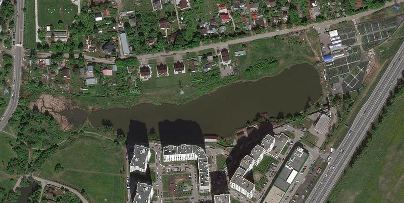 Глазынинский пруд, Плёнка из нефтепродуктов на Глазынинском пруду в Одинцово