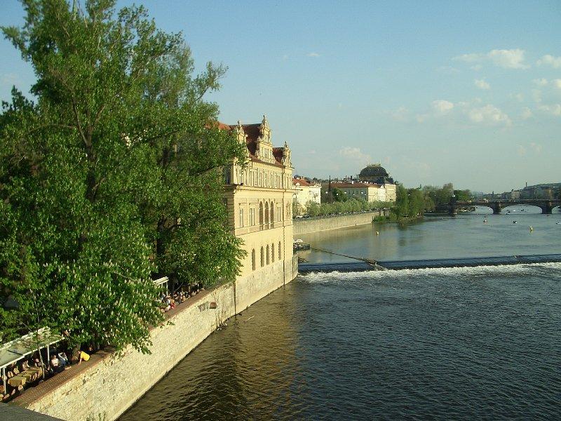 http://www.odintsovo.info/white/photo/antonio999/Praga.jpg